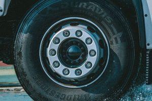 02 - Bridgestone-Duravis-R002