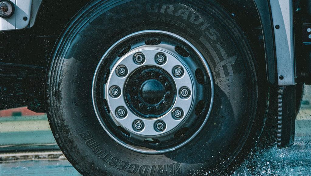 Bridgestone Duravis R002: o melhor da sua categoria em molhado