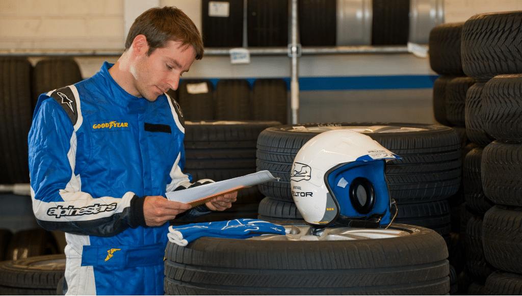 Um dia com… Vincent Lopes, piloto de testes de pneus da Goodyear