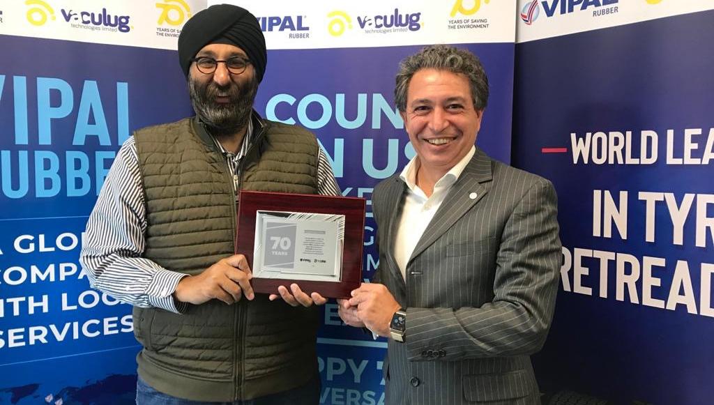 10 - Vipal-homenageia-empresa-de-Grantham-e-patrocina-os-seus-70-anos