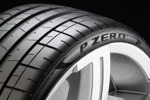 01 - Pirelli-equipa-topos-de-gama-da-BMW