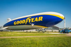 Dirigível da Goodyear volta a sobrevoar Europa
