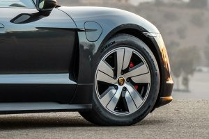 Hankook fornece pneus especiais para Porsche Taycan